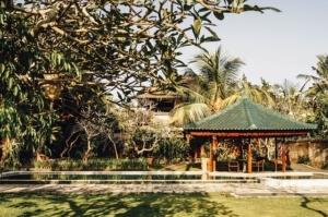 Gartenpavillon-asiatisch-300x199